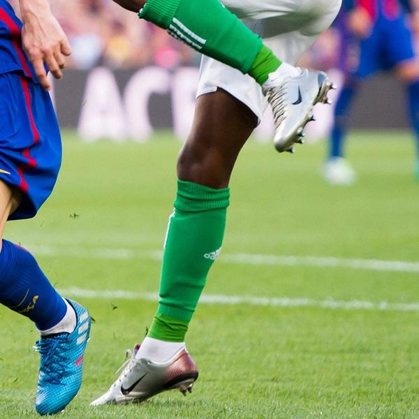 چارلی موسوندا کفش فوتبال نایک مرکوریال ویپر 3