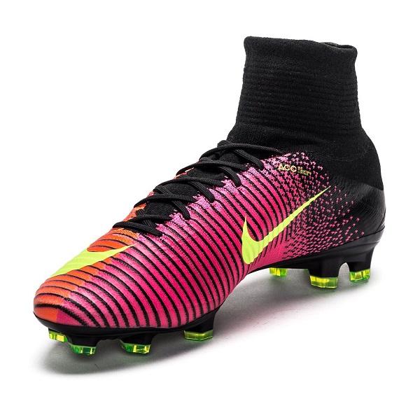 کفش فوتبال نایک مرکوریال سوپرفلای