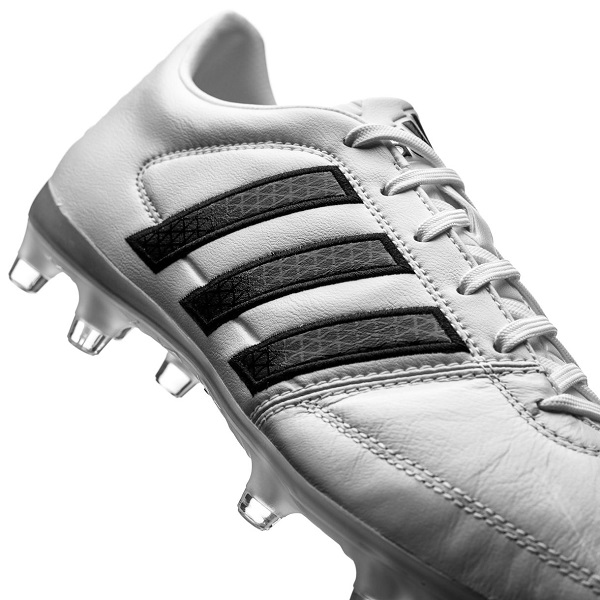 کفش فوتبال آدیداس gloro