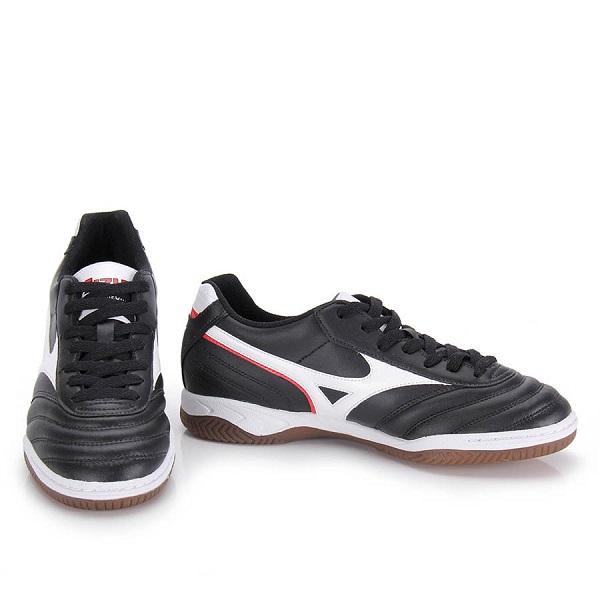 کفش فوتسال میزانو