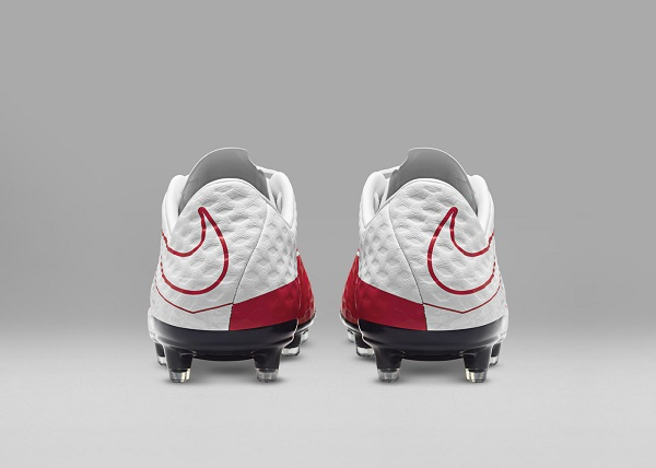 کفش فوتبال نایک هایپرونوم