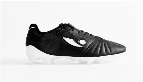 کفش فوتبال concave