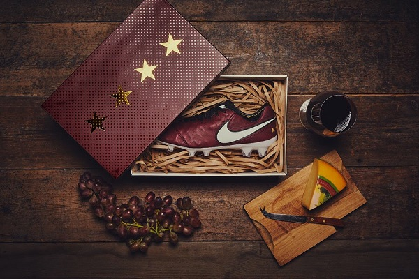 کفش فوتبال نایک تمپو