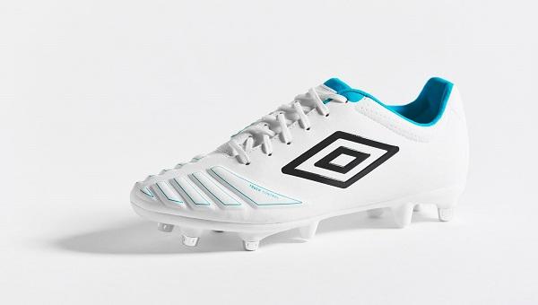 کفش فوتبال آمبرو