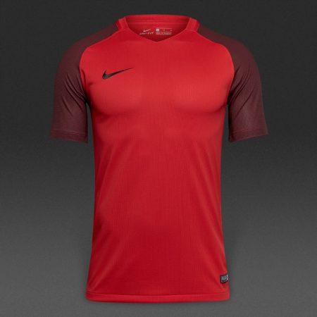 لباس فوتبال تیمی نایک