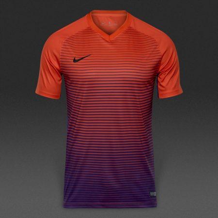 لباس فوتبال نایک