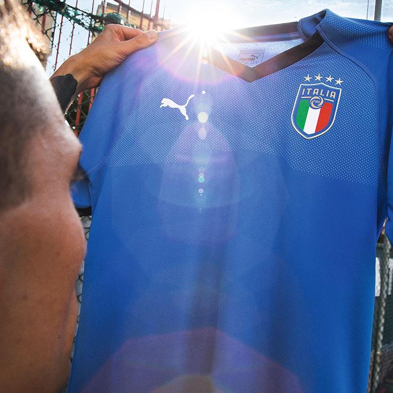 لباس اول ایتالیا
