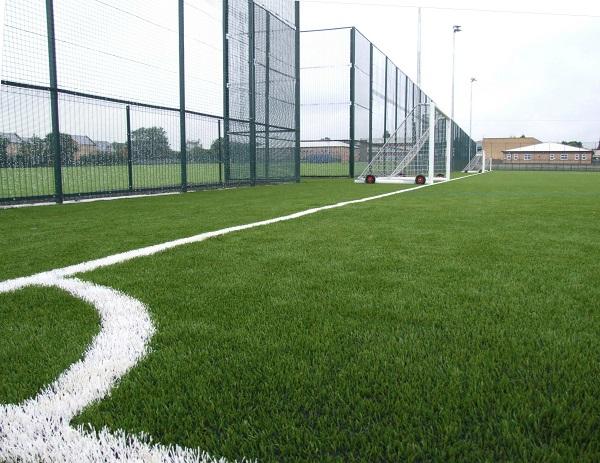 انواع زمین چمن فوتبال