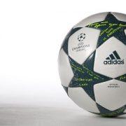 توپ فوتبال