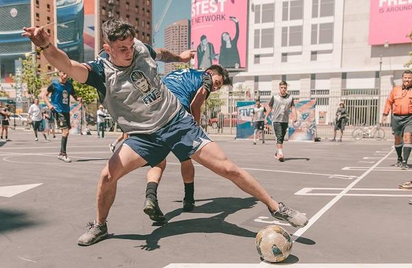 فوتبال خیابانی