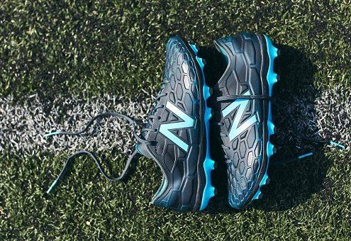 کفش فوتبال نیوبالانس