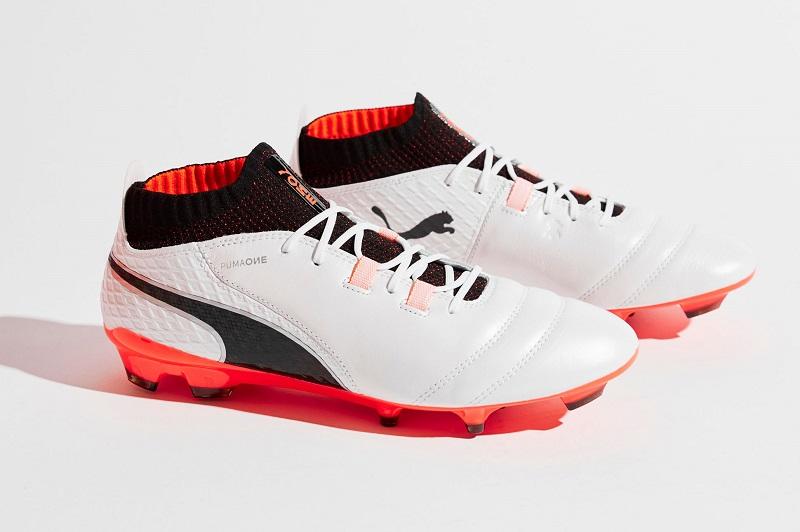 کفش فوتبال پوما one