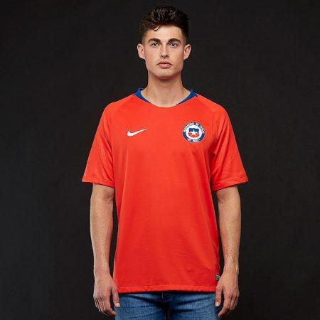 پیراهن اول تیم ملی شیلی